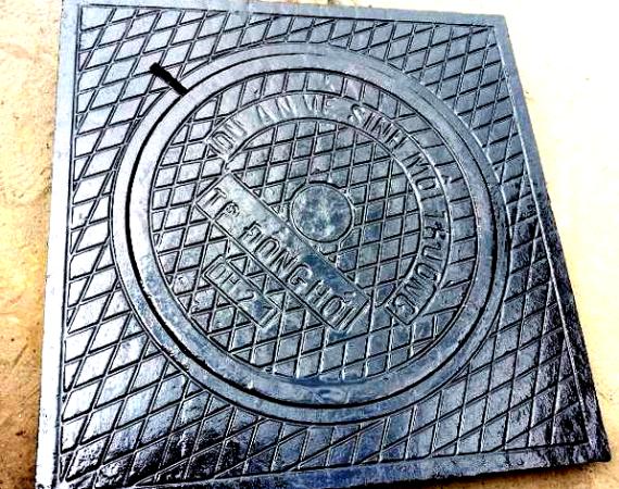 Song chắn rác – Nắp hố ga – Mương thoát nước – Ống gang thoát nước trên cầu – Hoa văn trang trí cổng ngõ bằng gang – Hoa văn gang – Nắp ga cống Gang – Lưới chắn rác Gang – Khuôn đúc gang –  Ghi lò hơi bằng Gang – Chân bàn Gang